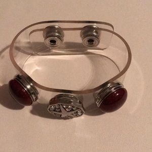 Jewelry - Clear plastic 3 snap bracelet with snaps